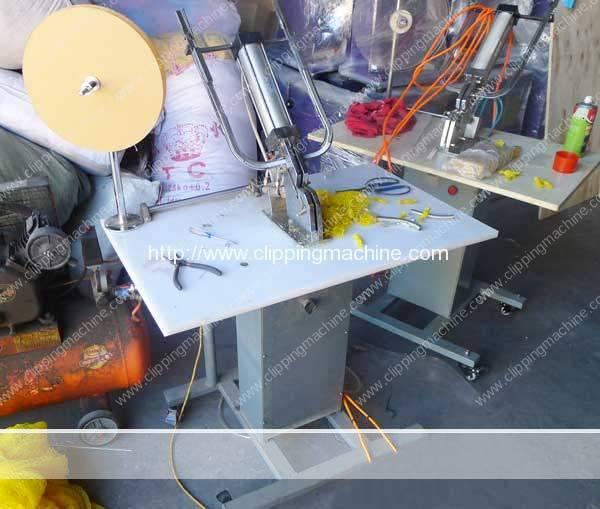 Pneumatic Semi-Automatic Mesh Bag Clipping Machine